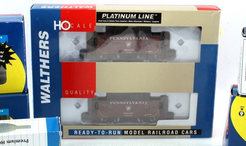 8 PIECE LOT OF HO SCALE MODEL TRAIN CARS NEW - 3