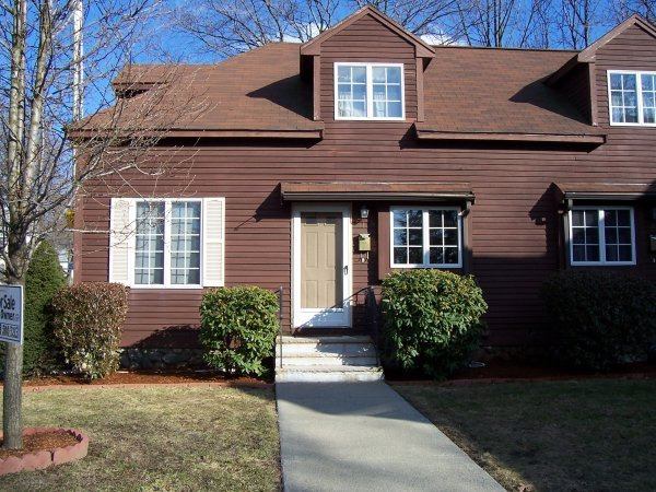 2 Bedroom 1.5 Bath Townhouse Reading Massachusetts