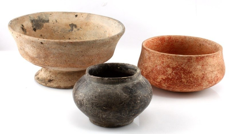 GROUPING OF 3 LARGE BELIZEAN PRE-COLUMBIAN VESSELS