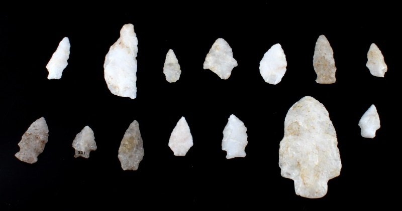 QUARTZ ARROWHEAD LOT LARGE SPEAR KNIFE & POINTS