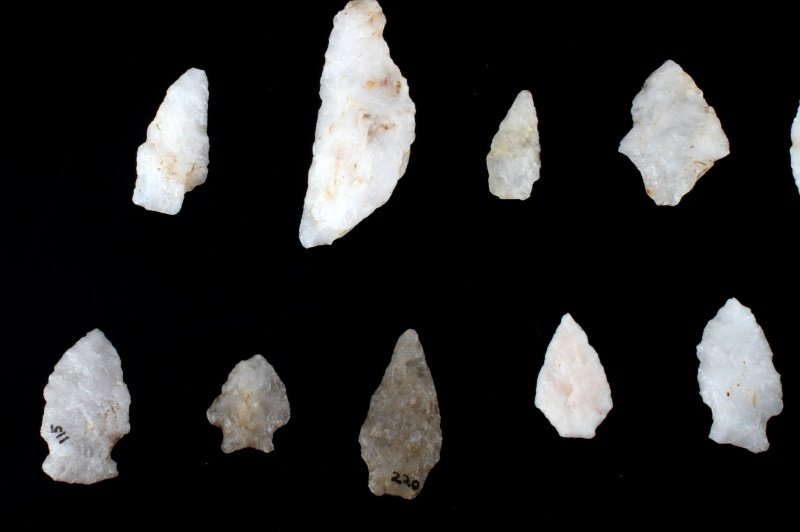 QUARTZ ARROWHEAD LOT LARGE SPEAR KNIFE & POINTS - 5