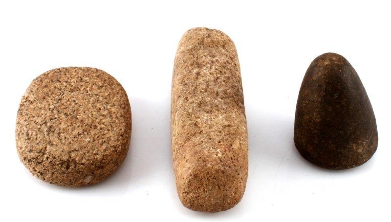 3 PIECE LOT  VINTAGE ROCK HAND PESTLES AND GRINDER