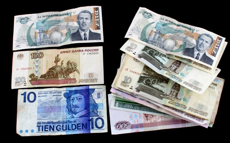 29 WORLD BANK NOTES DIFFERENT COUNTRIES