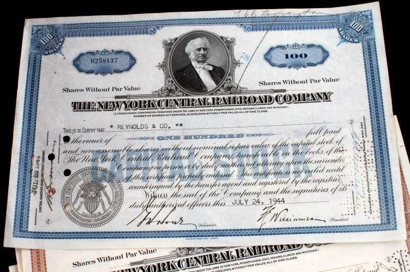 5 PIECE LOT OF ASSORTED RAILROAD STOCK CERTIFICATE - 2
