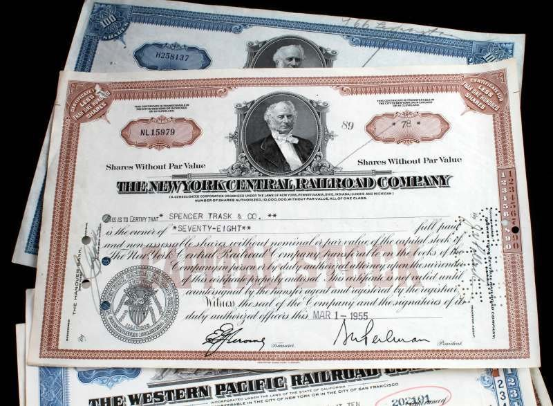 5 PIECE LOT OF ASSORTED RAILROAD STOCK CERTIFICATE - 3