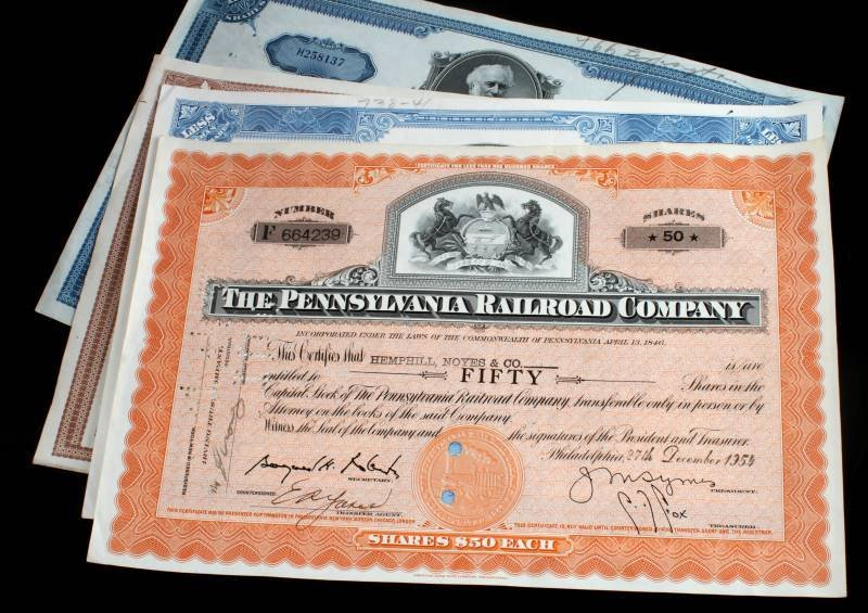 5 PIECE LOT OF ASSORTED RAILROAD STOCK CERTIFICATE - 5