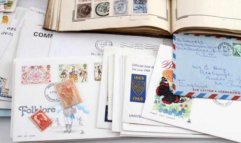 WORLD STAMP COLLECTION 100'S OF STAMPS - 2