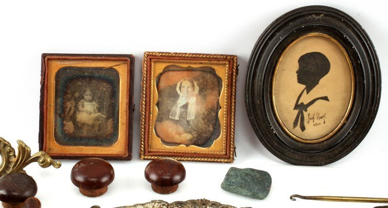BIG VARIETY ANTIQUE & COLECTIBLE LOT FISHING MORE - 2