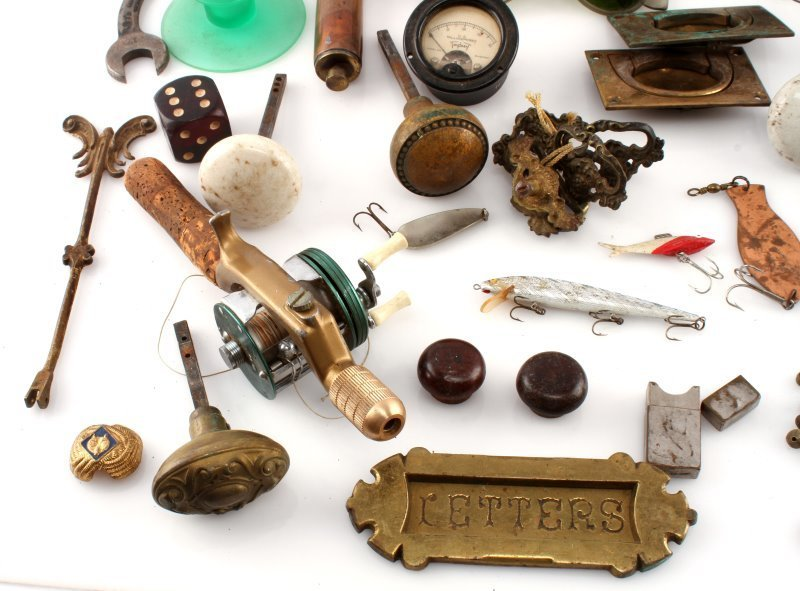 BIG VARIETY ANTIQUE & COLECTIBLE LOT FISHING MORE - 4