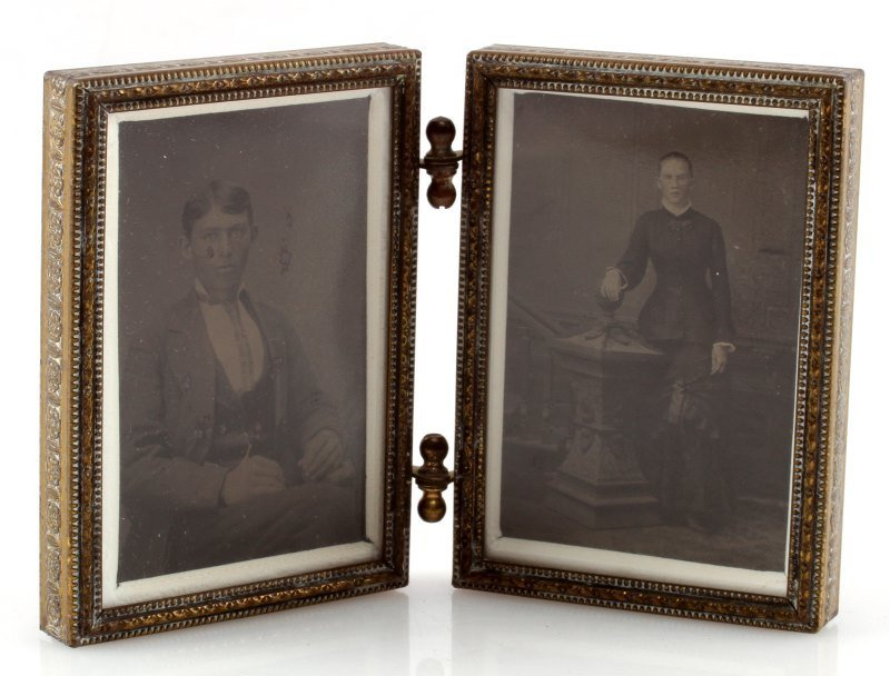 ANTIQUE TINTYPE PHOTOS IN FRAME YOUNG MAN & WOMAN