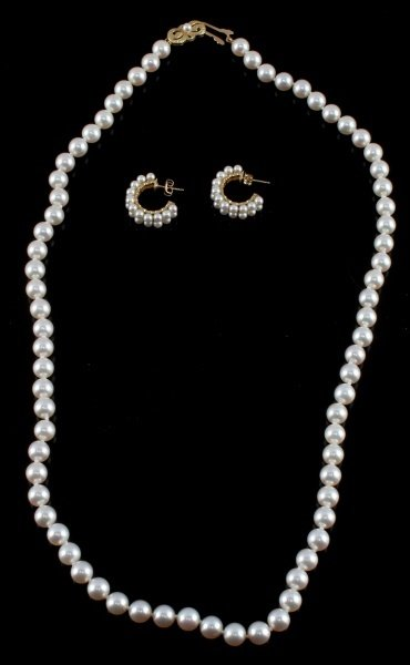 MIKIMOTO PEARL NECKLACE AND EARRING SET