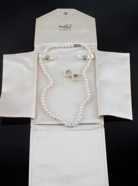 MIKIMOTO PEARL NECKLACE AND EARRING SET - 3
