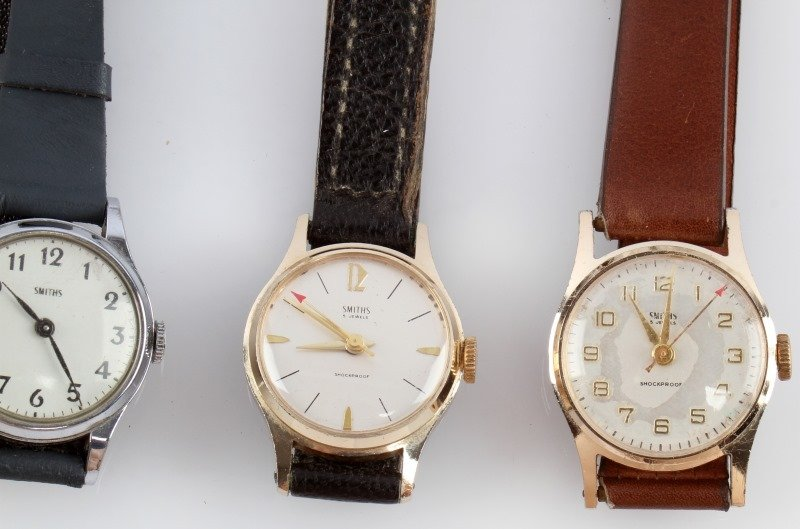LOT OF FOUR VINTAGE SMITHS MECHANICAL WATCHES - 3