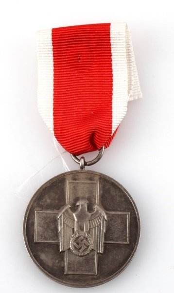WWII GERMAN THIRD REICH PEOPLES MEDAL