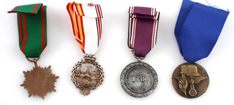 GERMAN WWII THIRD REICH MEDALS - 2