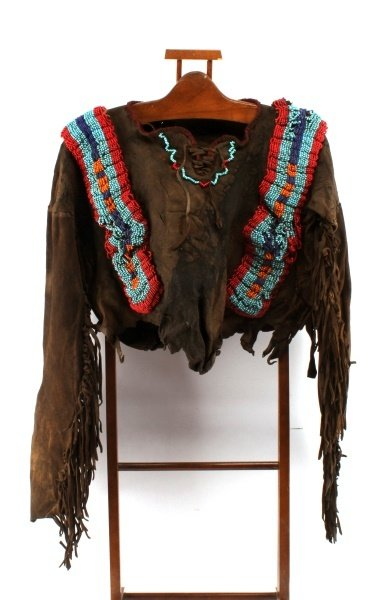 19TH CENTURY PLAINS INDIAN WAR SHIRT