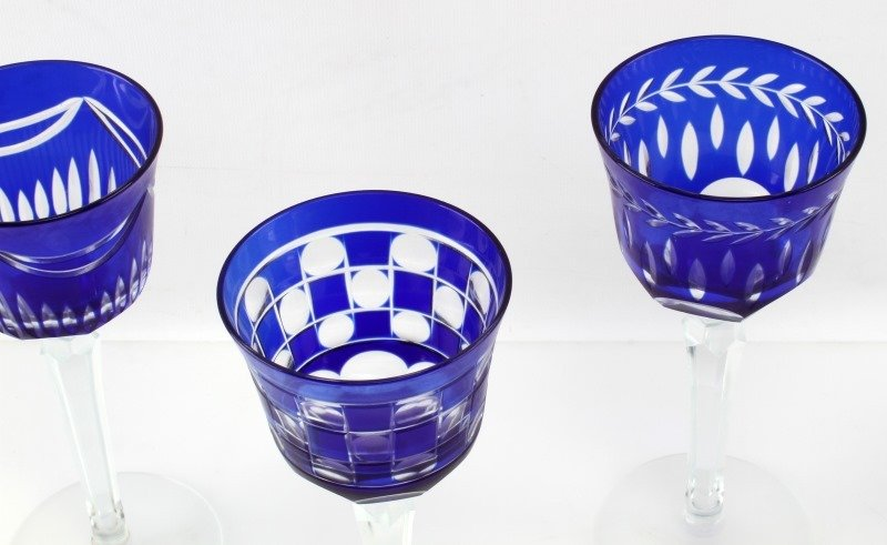 LOT OF FOUR CZECH CUT TO CLEAR COBALT GLASSES - 4