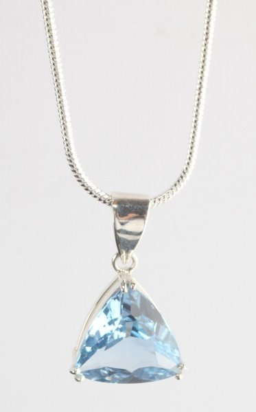 18.05 CT BLUE TOPAZ PENDANT WITH SILVER NECKLACE
