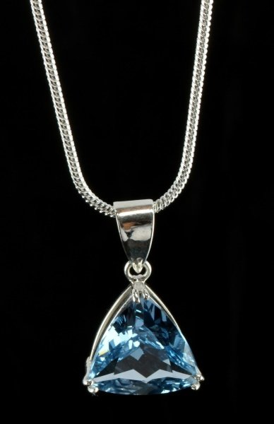 18.05 CT BLUE TOPAZ PENDANT WITH SILVER NECKLACE - 4