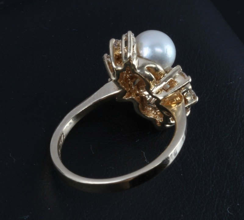 LADIES 14KT YELLOW GOLD RING WITH PEARLS & DIAMOND - 5