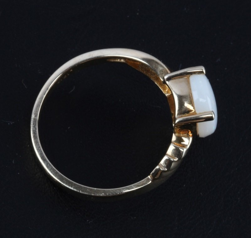 10 KT YELLOW GOLD RING WITH OPAL STONE - 3