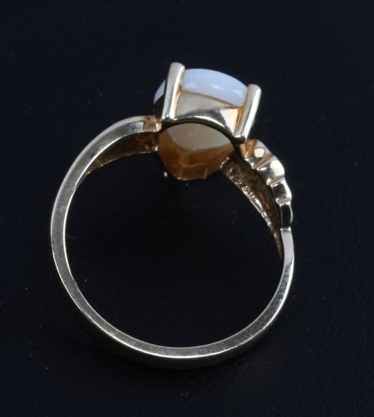 10 KT YELLOW GOLD RING WITH OPAL STONE - 4