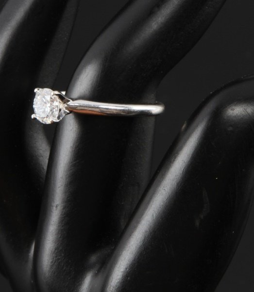 14 K WHITE GOLD SOLITAIRE ROUND .7 CT SIZE 6 - 3