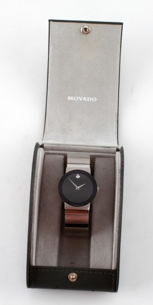 MOVADO STELO MUSEUM STAINLESS/SAPPHIRE GLASS WATCH