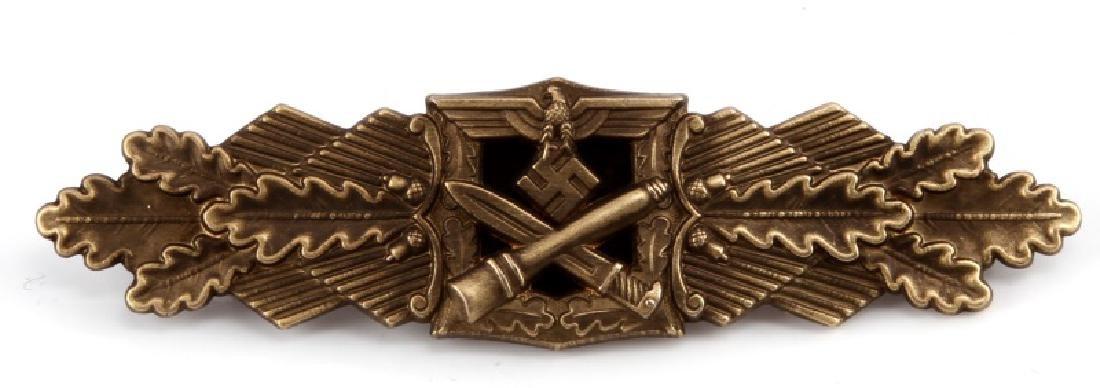 WWII GERMAN GOLD CLOSE COMBAT BADGE