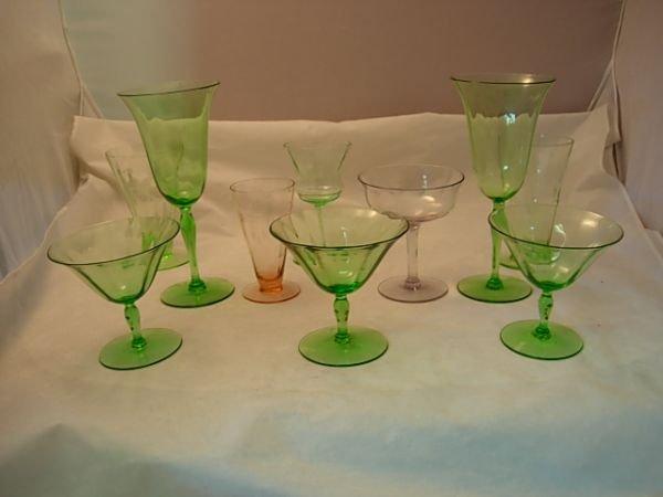 15: 10 PIECE  ELEGANT GREEN, LAVENDER, PINK GLASS