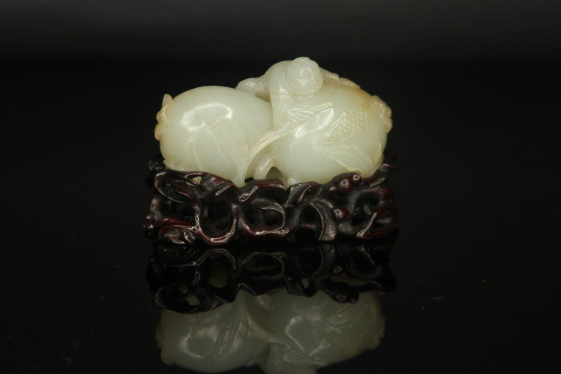 ANTIQUE CHINESE JADE CARVING