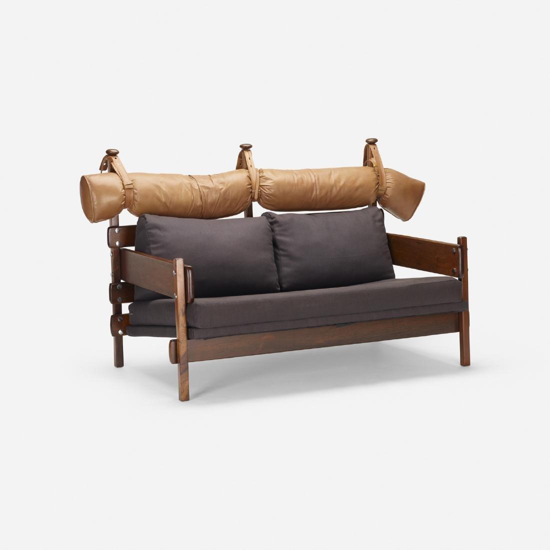Sergio Rodrigues, Tonico sofa