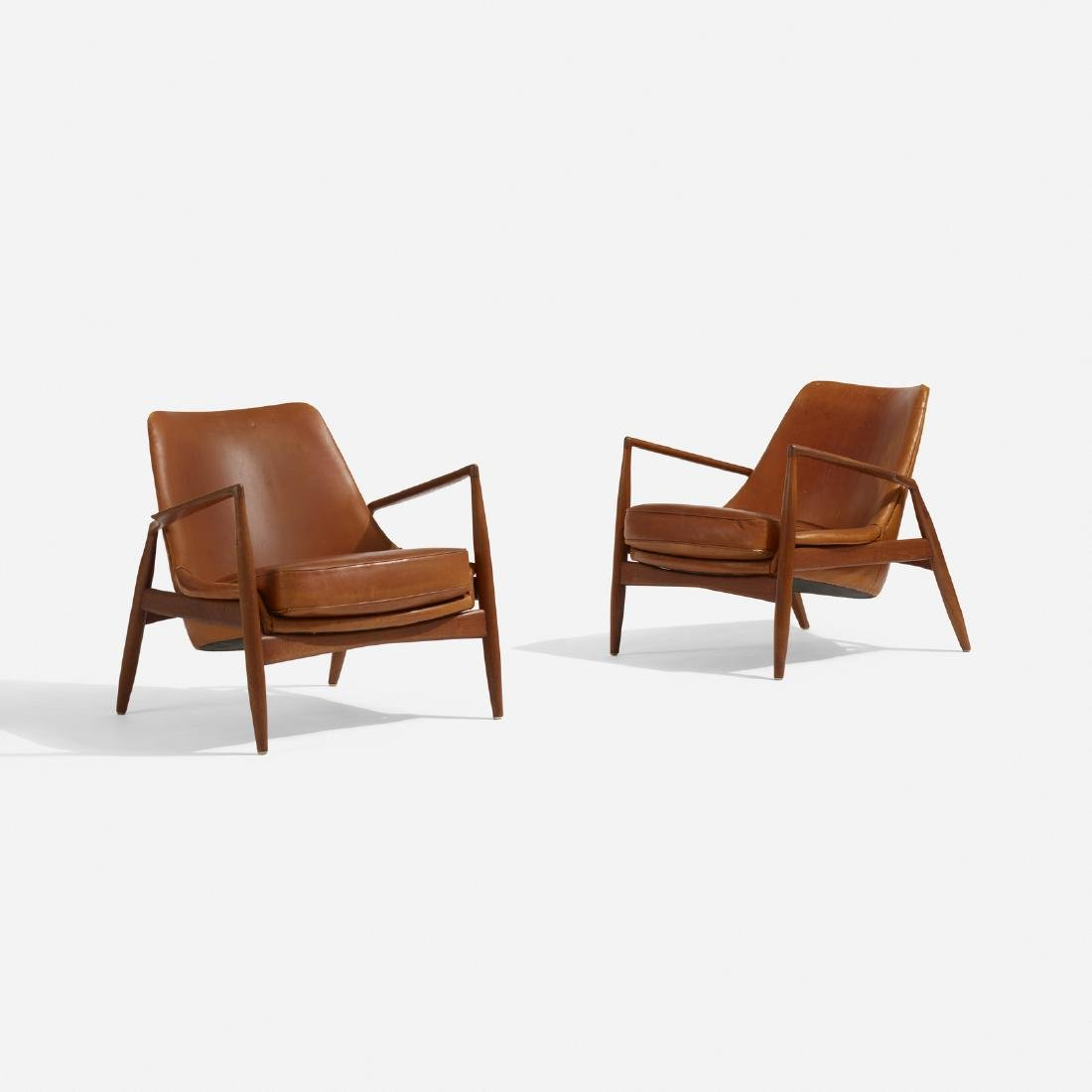 Ib Kofod-Larsen, Seal lounge chairs, pair