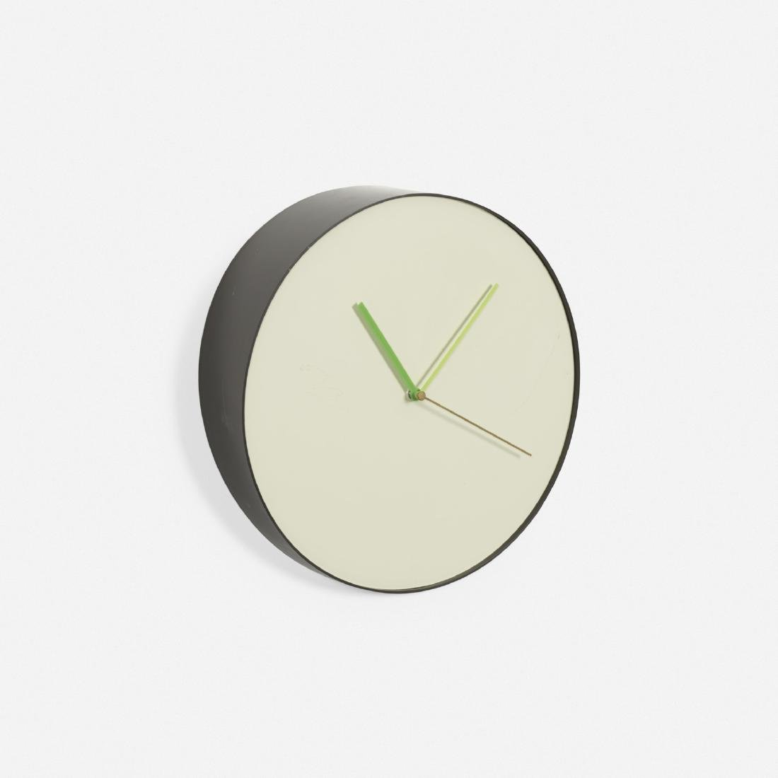Rich Brilliant Willing, Bias wall clock
