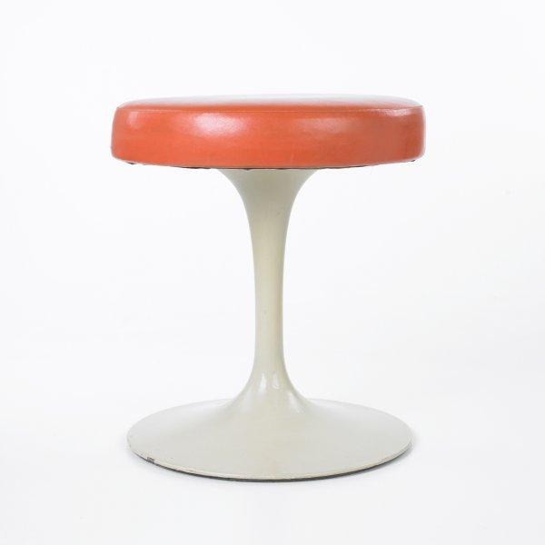 127: Eero Saarinen set of four Tulip stools