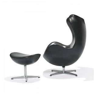 218: Arne Jacobsen Egg Chair and ottoman