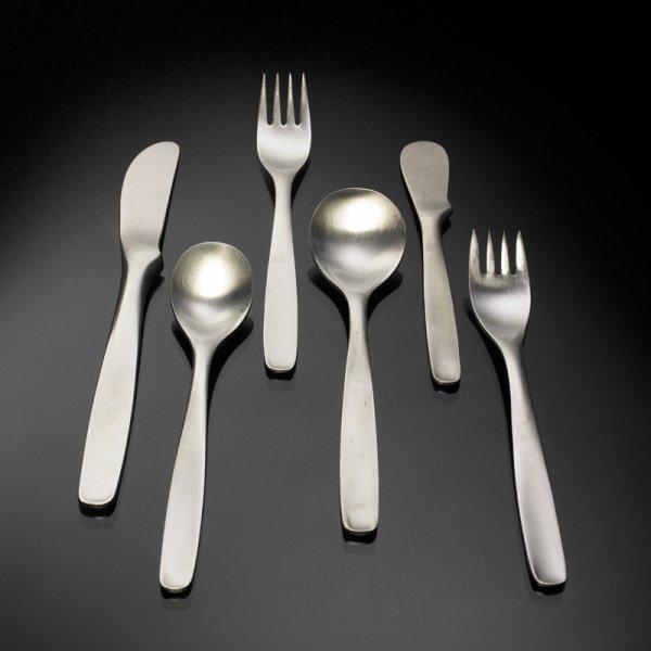 224: Russel Wright Pinch flatware