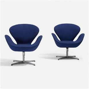 Arne Jacobsen, Swan chairs model 3320, pair
