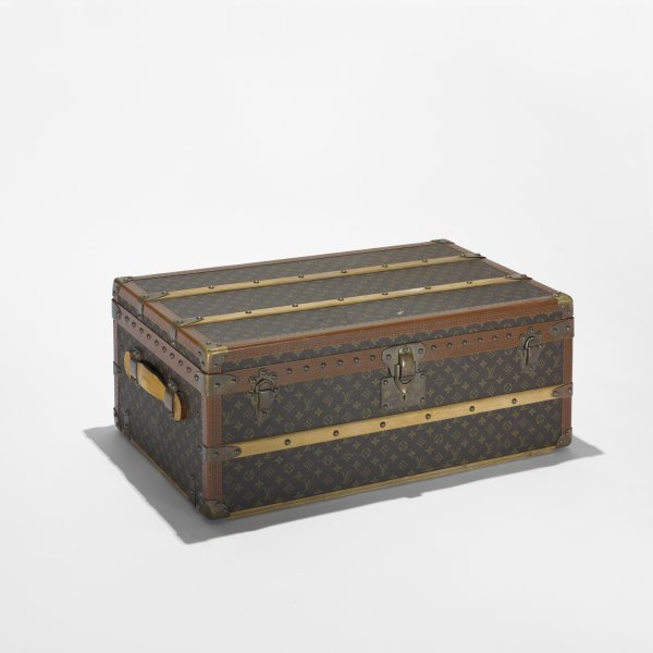 245: Louis Vuitton steamer trunk