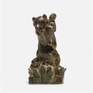 Knud Kyhn, Bear