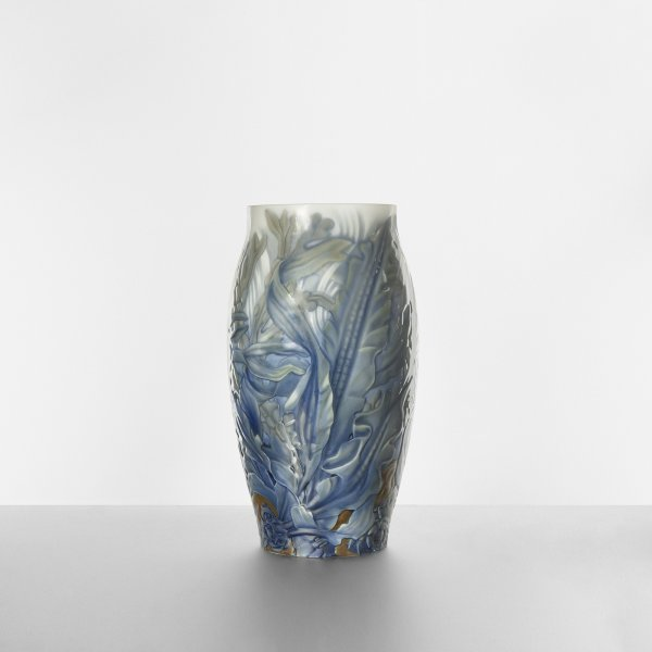 123: Effie Hegermann-Lindencrone monumental vase