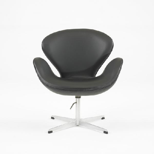 336: Arne Jacobson Swan chair