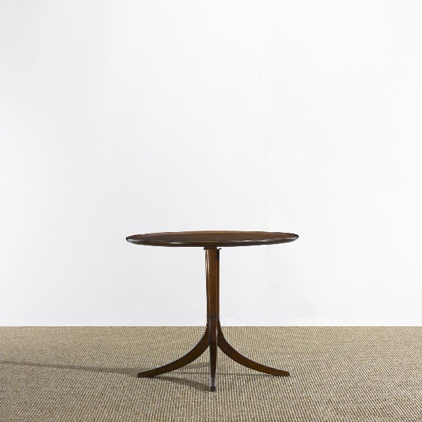 102: Frits Henningsen occasional table