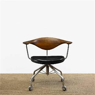 151: Hans Wegner Swivel chair