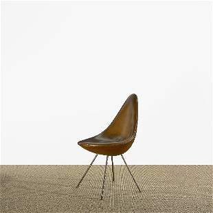 292: Arne Jacobsen Drop chair from the SAS Royal Hotel