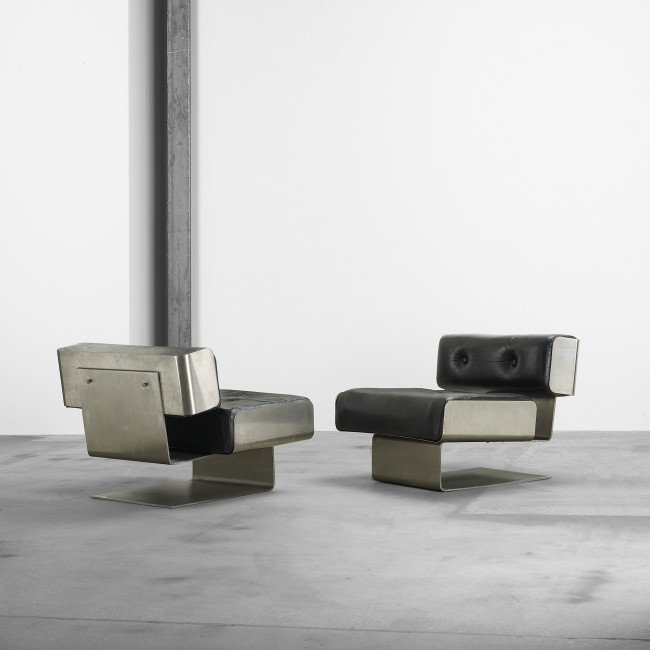 113: Forma Nova lounge chairs, pair