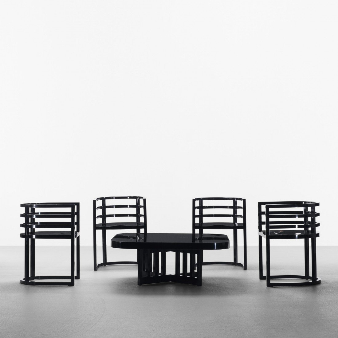 166: Richard Meier set of four chairs and coffee table