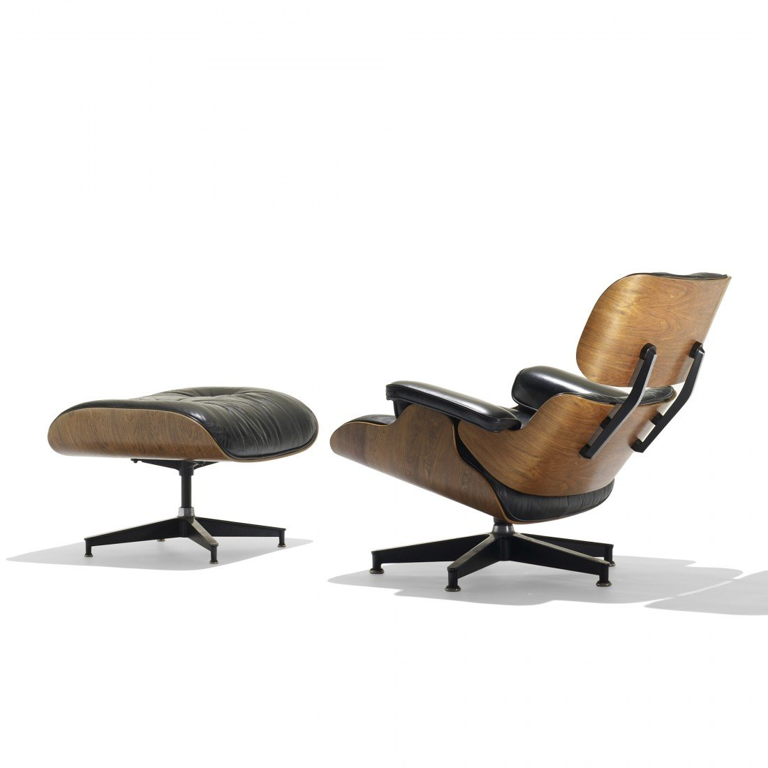 132: Eames 670 lounge chair and 671 ottoman