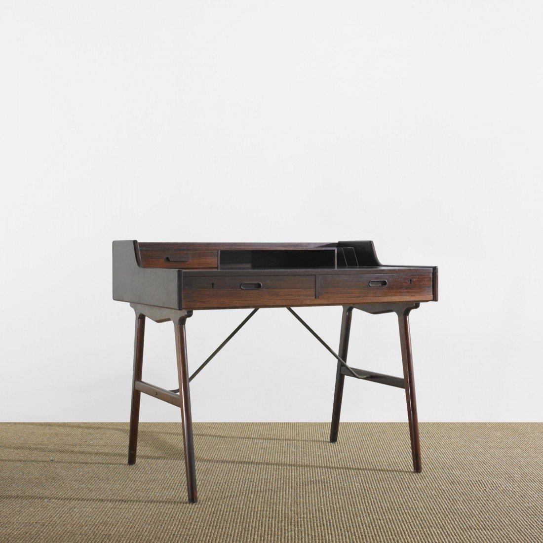 104: Arne Wahl Iversen desk