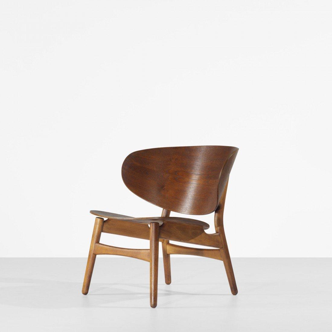 113: Hans Wegner Shell lounge chair